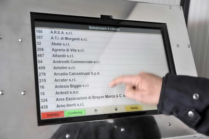 Sistema di pesatura informatizzato foto azienda 77