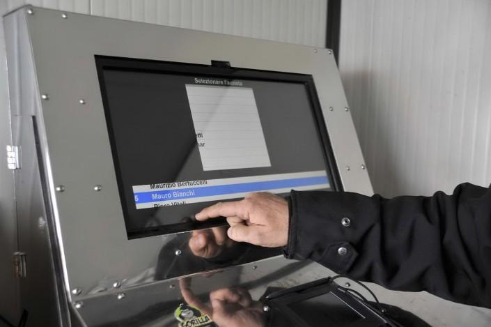 Sistema di pesatura informatizzato foto azienda 78